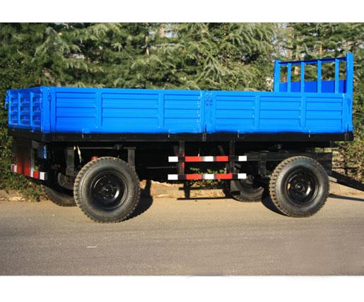 浅谈农用拖车载物的特点
