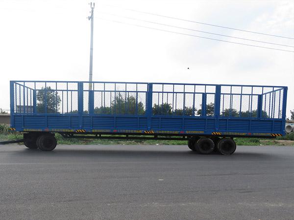 潍坊2t带护栏平板挂车