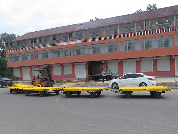 潍坊10T低平板拖车