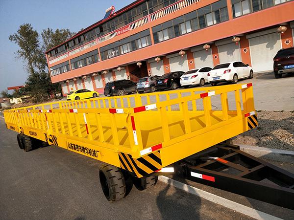 大型平板拖车